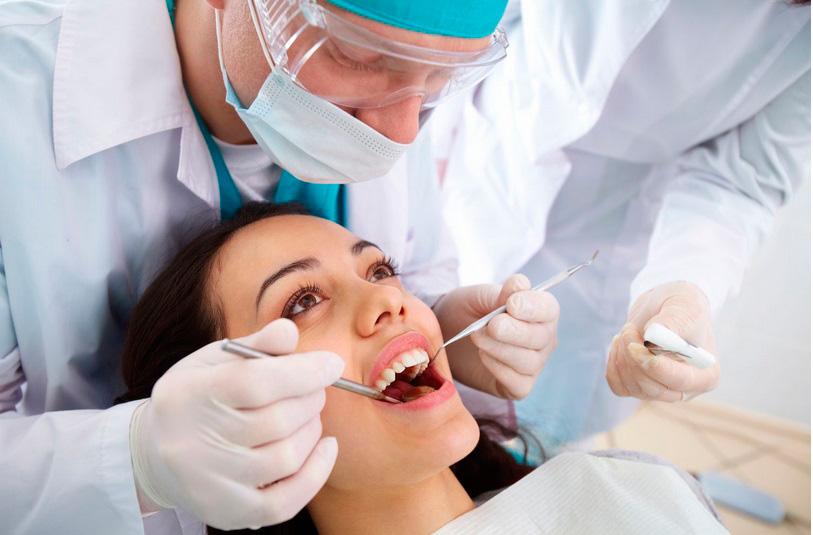implantaciya-zubov-implantologiya